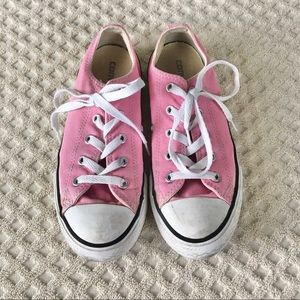 converse | girls pink low top shoes size 2